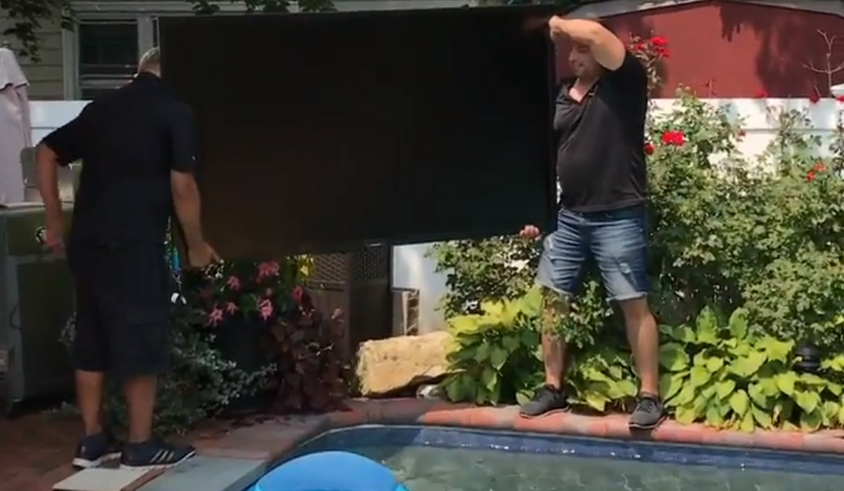 Video: The Most Daring Poolside Installation of a 75-Inch SunBriteTV