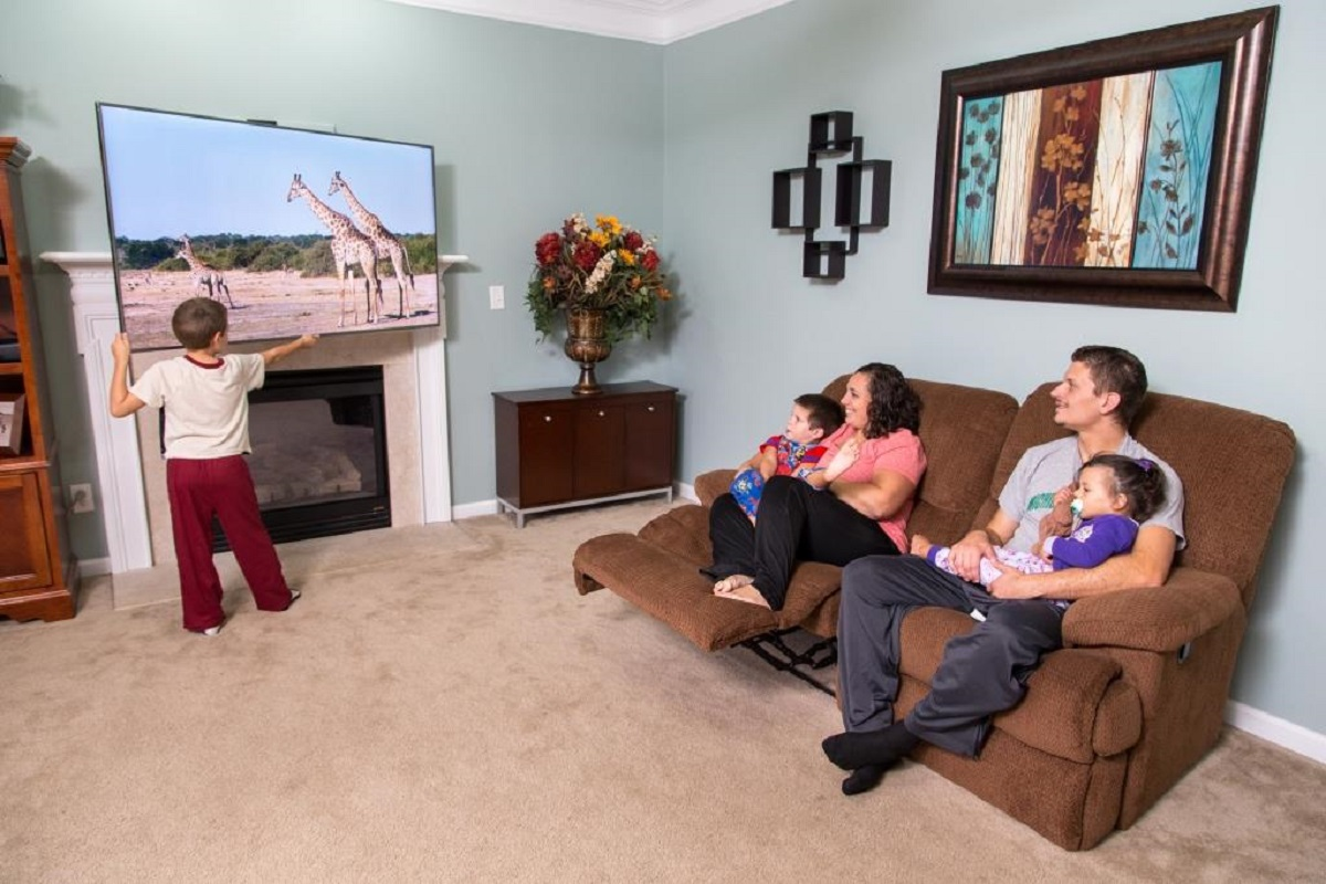 Dynamic Mounting Launches 12 TV Mounts for Over-the-Fireplace Installs