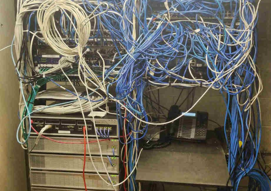 14 Wiring Fails That Will Churn Your Stomach, slide 0