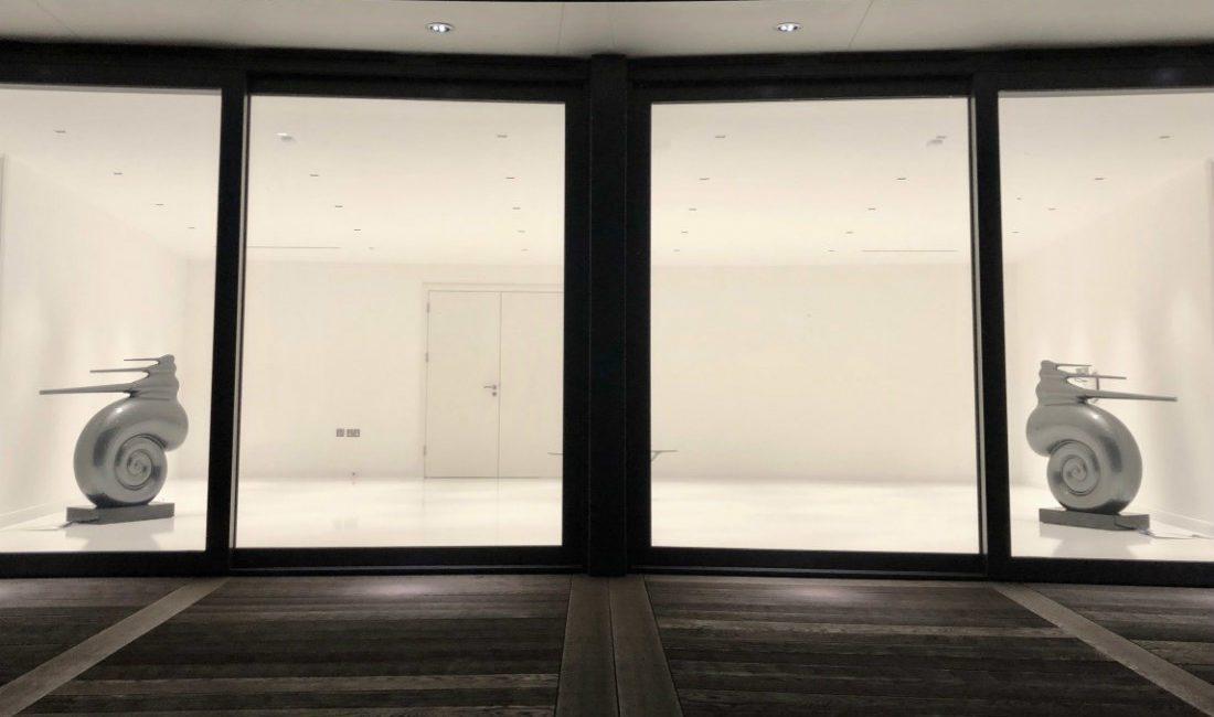 Art Meets Science in $6 Million Minimalist UK Mansion, slide 3