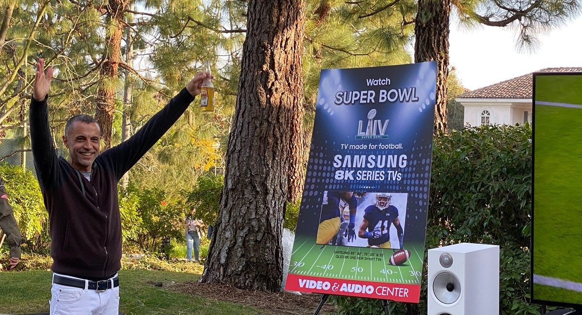 Super Bowl Party Results in Super Samsung 8K TV Sales, slide 0