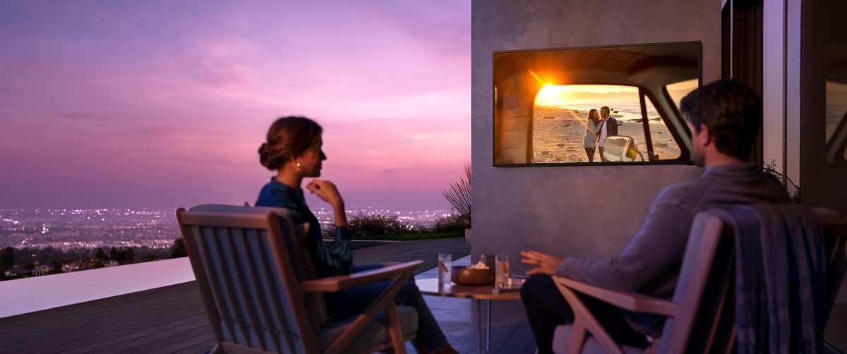 Samsung Jumps into Outdoor TV, Soundbar Space