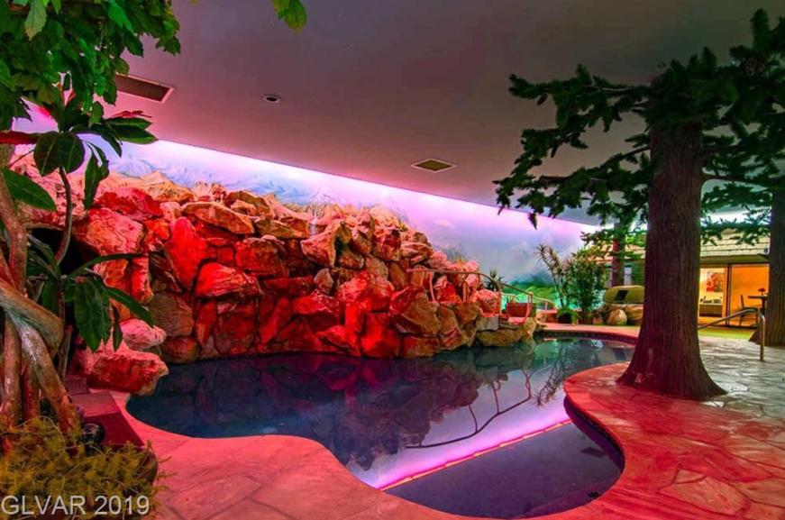 $18M Las Vegas Doomsday Wellness Bunker Is Mind-Blowing, slide 2