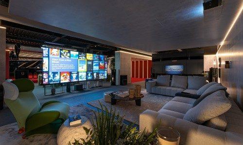 Integrator Showroom Leverages 'Levitating' SI Zero-G Screen