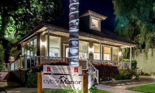 cyberManor 'New Home Technology Center' Blends High IQ & High Style