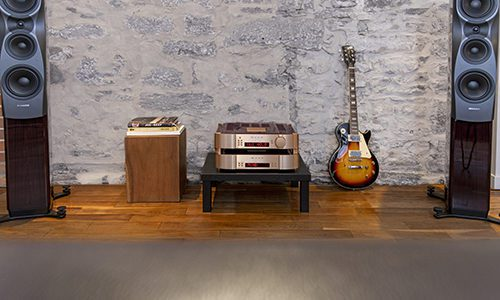 Moon by Simaudio 40th anniversary system