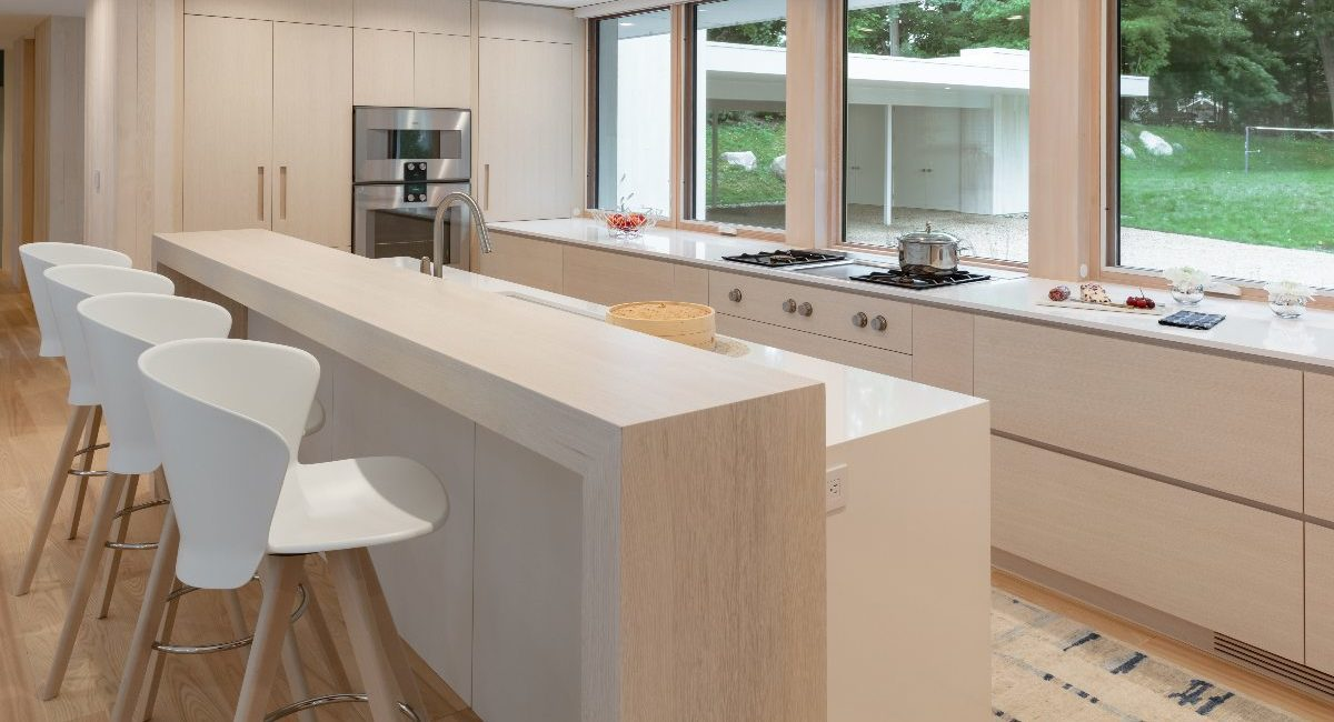 Integrator Uses Crafty Design to Camouflage Tech in Architect's Lakefront Smart Home, slide 3
