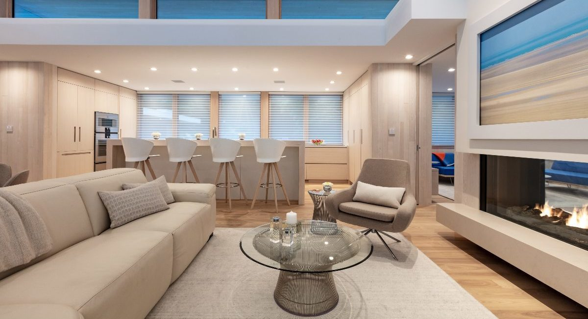 Integrator Uses Crafty Design to Camouflage Tech in Architect's Lakefront Smart Home, slide 2