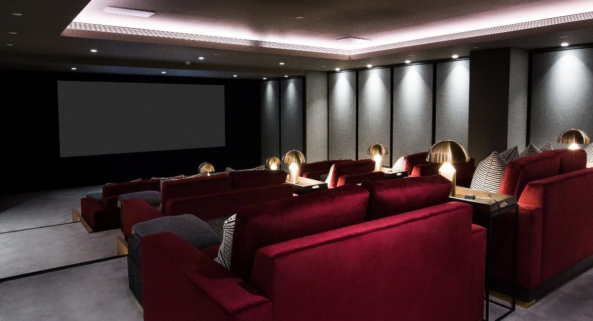 London Luxury Apartment Features Jaw-Dropping Home Theater, Bowling Alley and Billiards Room, slide 4
