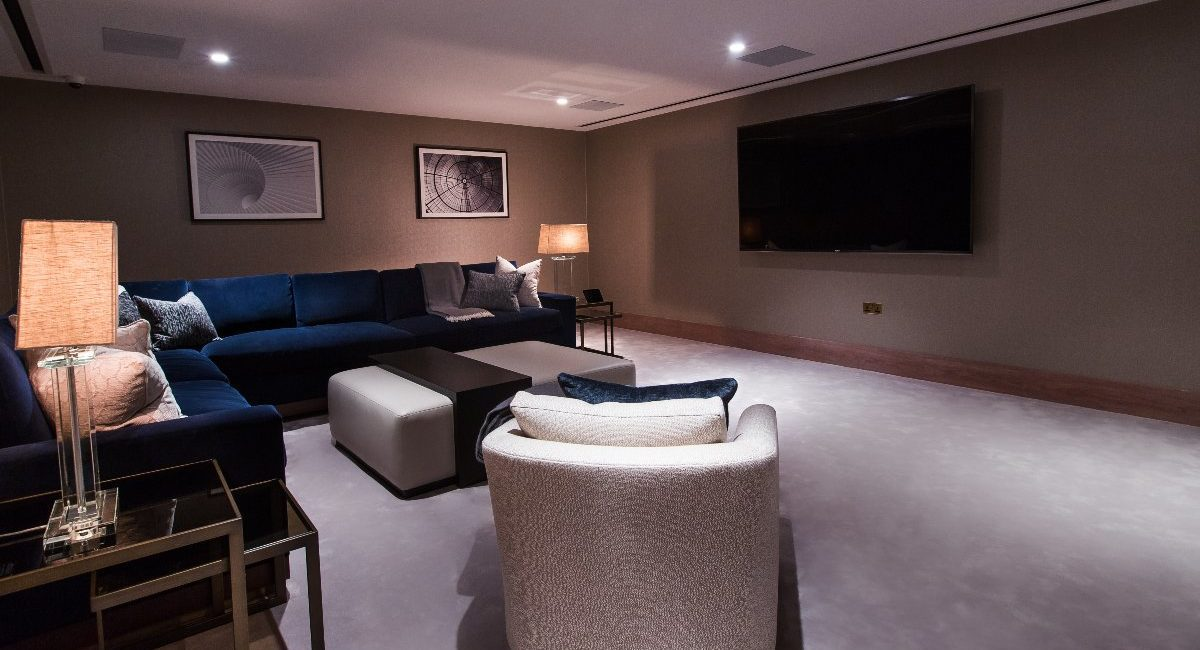 London Luxury Apartment Features Jaw-Dropping Home Theater, Bowling Alley and Billiards Room, slide 2