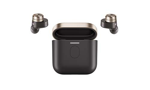 Bowers & Wilkins True Wireless PI5 and PI7 ear buds