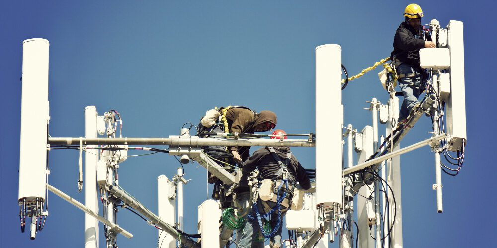 How the Security Industry is Pressuring AT&T to Postpone 3G Sunset